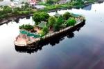 Video: Cận cảnh ngôi miếu hơn 300 tuổi, 'cõng' trên mình 100 con rồng giữa lòng sông Sài Gòn