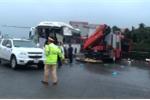 Video: Nguyên nhân xe khách đâm xe cứu hỏa trên cao tốc Pháp Vân - Cầu Giẽ