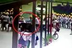 Clip: Cô giáo lái BMW trong sân trường, đâm hàng loạt học sinh