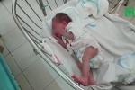 Mẹ nhiễm HIV đẻ con rồi bỏ lại bệnh viện ở TP.HCM