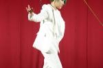 Vu Cat Tuong khong ngai nguy hiem, treo minh tren cao tap luyen cho concert Stardom hinh anh 1