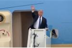 Clip: Tổng thống Trump lên chuyên cơ, vẫy tay tạm biệt Hà Nội