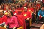 Video: Phó Thủ tướng Phạm Bình Minh và cán bộ Bộ Ngoại giao cổ vũ U23 Việt Nam