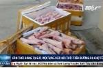 Clip: Bắt quả tang hàng tạ giò, nội tạng lợn hôi thối đang trên đường ra chợ Tết