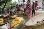 Clip: Dân nơi rốn lụt Hà Nội thèm bữa cơm có thịt