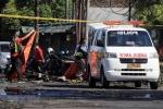 Video: Khoảnh khắc quả bom phát nổ tại trụ sở cảnh sát Indonesia