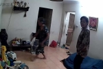 'Nữ quái' vào nhà lân la hỏi chuyện, trộm iPad giấu vào cạp quần