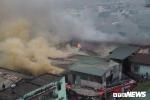 Ảnh: Khu nhà xưởng ở Hà Nội bốc cháy ngùn ngụt, khói đen kịt trời