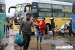 Video: Người dân co ro trở lại Hà Nội sau kỳ nghỉ lễ