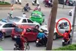 Nghệ An: Khởi tố tài xế lùi xe trên đường ngược chiều cán chết bà lão đi xe đạp