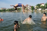 Clip: Dân 'hô biến' ao tù ô nhiễm thành bể bơi thiên nhiên chuyên nghiệp miễn phí