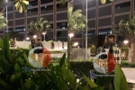 Lộ hình ảnh Trương Mỹ Nhân tình tứ hôn trai lạ giữa đêm