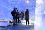 Video: Giữa hè, uống cafe trong cái lạnh -10 độ C tại Hà Nội