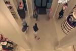 5 cô gái vác súng điện đi cướp nội y Victoria's Secret