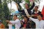 Xe công nông chở Hoa hậu hoàn vũ H'Hen Niê gặp sự cố trên đường về buôn