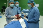 Hai tiếng đồng hồ 'đánh bật' khối u 2kg trong cổ cụ bà ở Quảng Nam