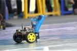 Video: Học sinh Hà Nội lập trình robot chơi bóng rổ