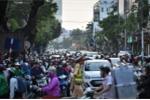 Chặn 1 chiều đường Cát Linh để thi công, xe cộ ùn ứ giờ cao điểm
