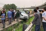 Tàu hỏa tông bay ô tô khiến 5 người thương vong: Công an Hải Dương thông tin chính thức