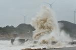 Bão số 4 tăng tốc giật cấp 10, mưa to từ Thanh Hóa đến Thừa Thiên - Huế