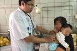 Hai trẻ sơ sinh suýt mất mạng vì cha mẹ cho uống thuốc cam
