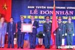 Ban Tuyen huan Khu uy khu V don nhan danh hieu Anh hung Luc luong vu trang nhan dan hinh anh 1