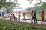Cảnh sát hình sự hoá trang trên phố đi bộ chống móc túi