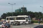 Xe thương binh gây tai nạn liên hoàn, 3 người nhập viện
