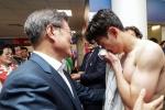 Thua Mexico, Son Heung Min khóc nức nở trước Tổng thống Hàn Quốc