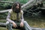 Hoài Linh hóa thân thành người rừng trong phim Tết