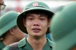 Video: Thanh niên Thủ đô bịn rịn trong ngày lên đường nhập ngũ