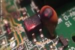 Clip: Cận cảnh vi mạch máy tính tự cháy khi quá tải