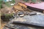 Đất lở ầm ầm làm sập trường học, đổ nhà dân ở Thanh Hoá