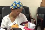 Bé Bình An, con trai sản phụ ung thư giai đoạn cuối xuất viện