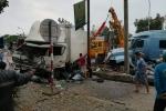 Hai xe ô tô nát đầu sau tiếng nổ lớn trên quốc lộ 1A