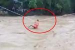Clip: Ròng cáp treo cứu 31 người bị lũ cô lập ở Yên Bái