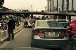 Cảnh sát hóa trang, ghi hình xử phạt người 'tè bậy' ở Hà Nội