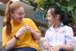 Nữ thủy thủ Mỹ và tình bạn đặc biệt với bé gái nhiễm chất độc da cam ở Đà Nẵng