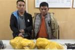 Bị vây bắt, 2 kẻ buôn ma túy điên cuồng chống trả cảnh sát