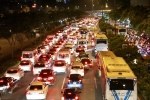 Hàng ngàn phương tiện kẹt cứng trên đại lộ đẹp nhất TPHCM trong đêm