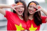 Bộ ảnh 'tiếp lửa' cho tuyển U23 Việt Nam của 2 nữ sinh xinh đẹp ĐH Quốc gia Hà Nội
