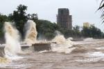 Bão số 3 tiến sát vào bờ biển, mưa lớn bao trùm miền Bắc và miền Trung