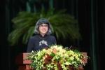 Nữ giáo sư gốc Việt: 'Tôi 100% Mỹ nhưng trong tôi 100% nước mắm'