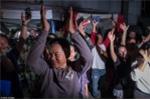Video, Ảnh: Thái Lan mở tiệc xuyên đêm mừng chiến dịch giải cứu đội bóng nhí