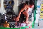 Clip: Cô gái trèo qua tủ kính, đuổi bắt kẻ cướp điện thoại