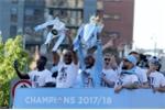 100.000 CĐV Man City nhuộm xanh Manchester, đón chức vô địch hoàn hảo