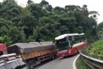 Tước giấy phép lái xe tài xế vượt ẩu ở đèo Bảo Lộc