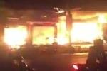Clip cháy ngùn ngụt thiêu rụi dãy cửa hàng nội thất ở Quảng Ninh