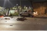 Ô tô bán tải tông hàng loạt xe dừng đèn đỏ, người nằm la liệt trên đường