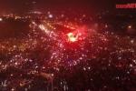 Video: Hàng vạn người ăn mừng ấn tượng ngay trước sân Mỹ Đình nhìn từ flycam